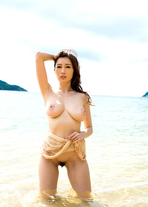 Japanese Julia Online Swimming Poolsexy