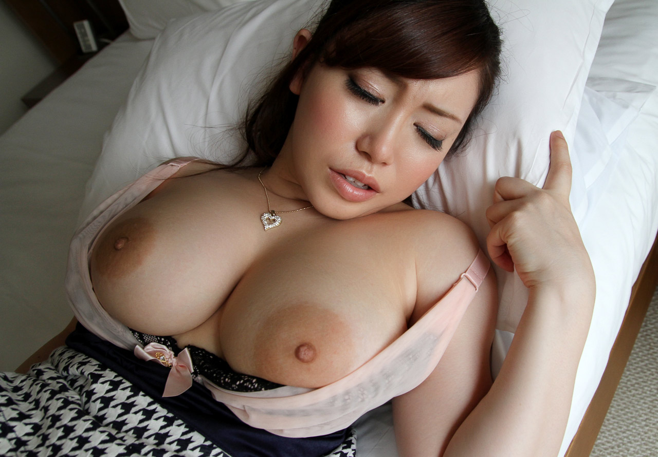 Asian boobs and huge tits pics