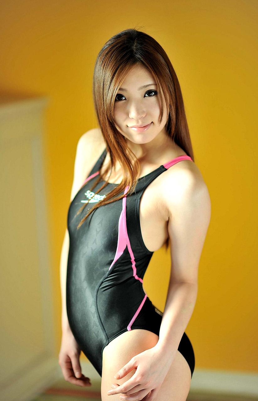 Reina Tsukimoto