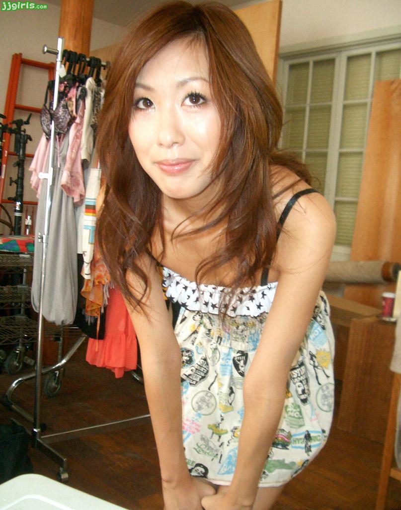 Beauty in white Natsuki Yokoyama giving a sensational