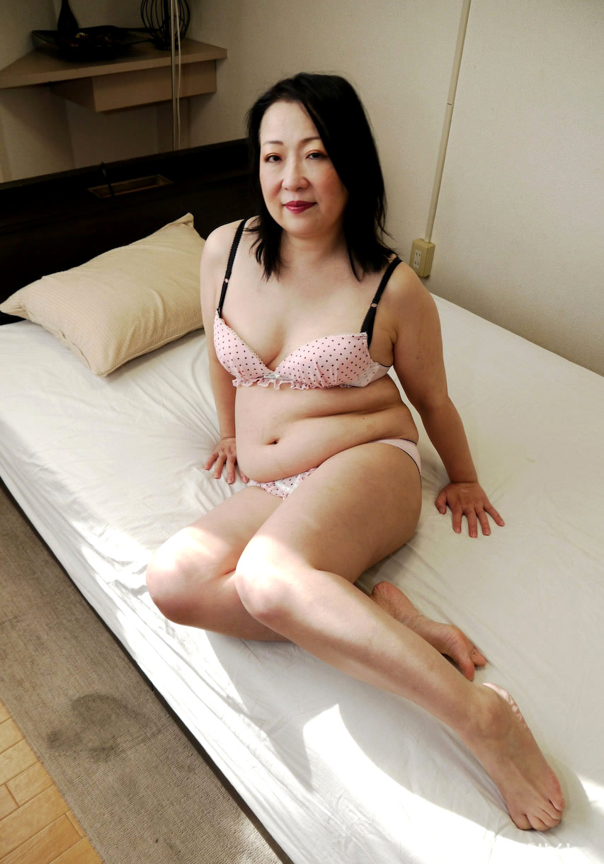 shaved-asian-granny-pic