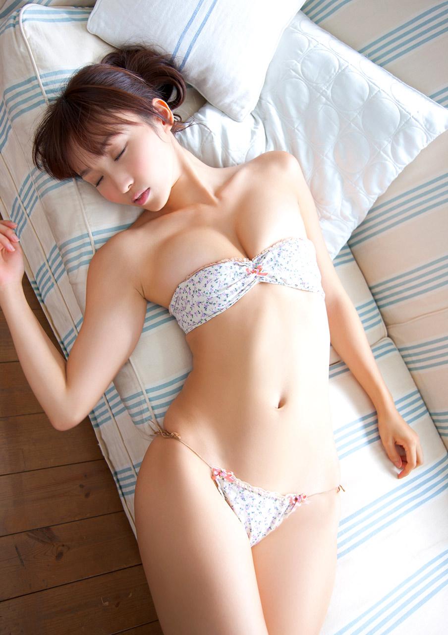 спящую японку секс онлайн