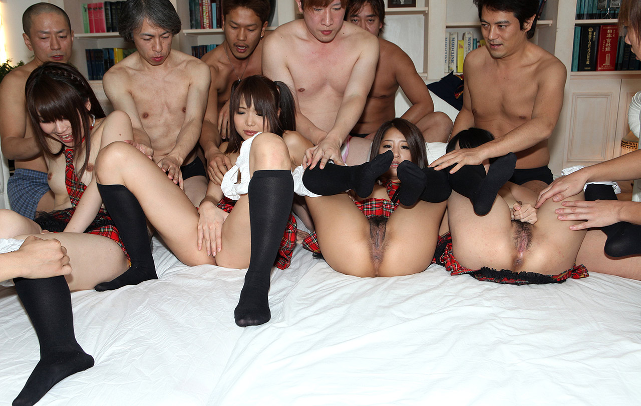 Hot nude japanese girls orgy — img 2