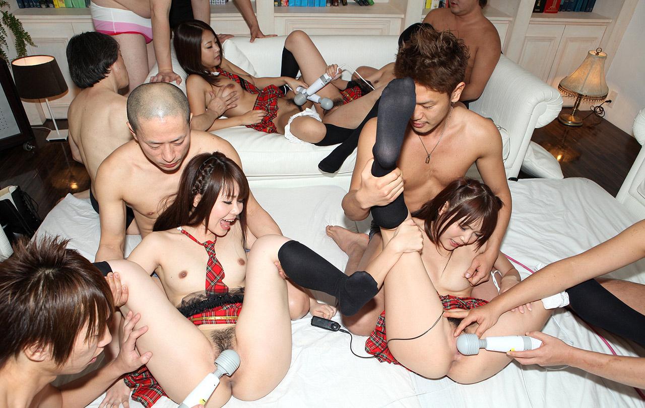 порно с азиатками на корпоративе