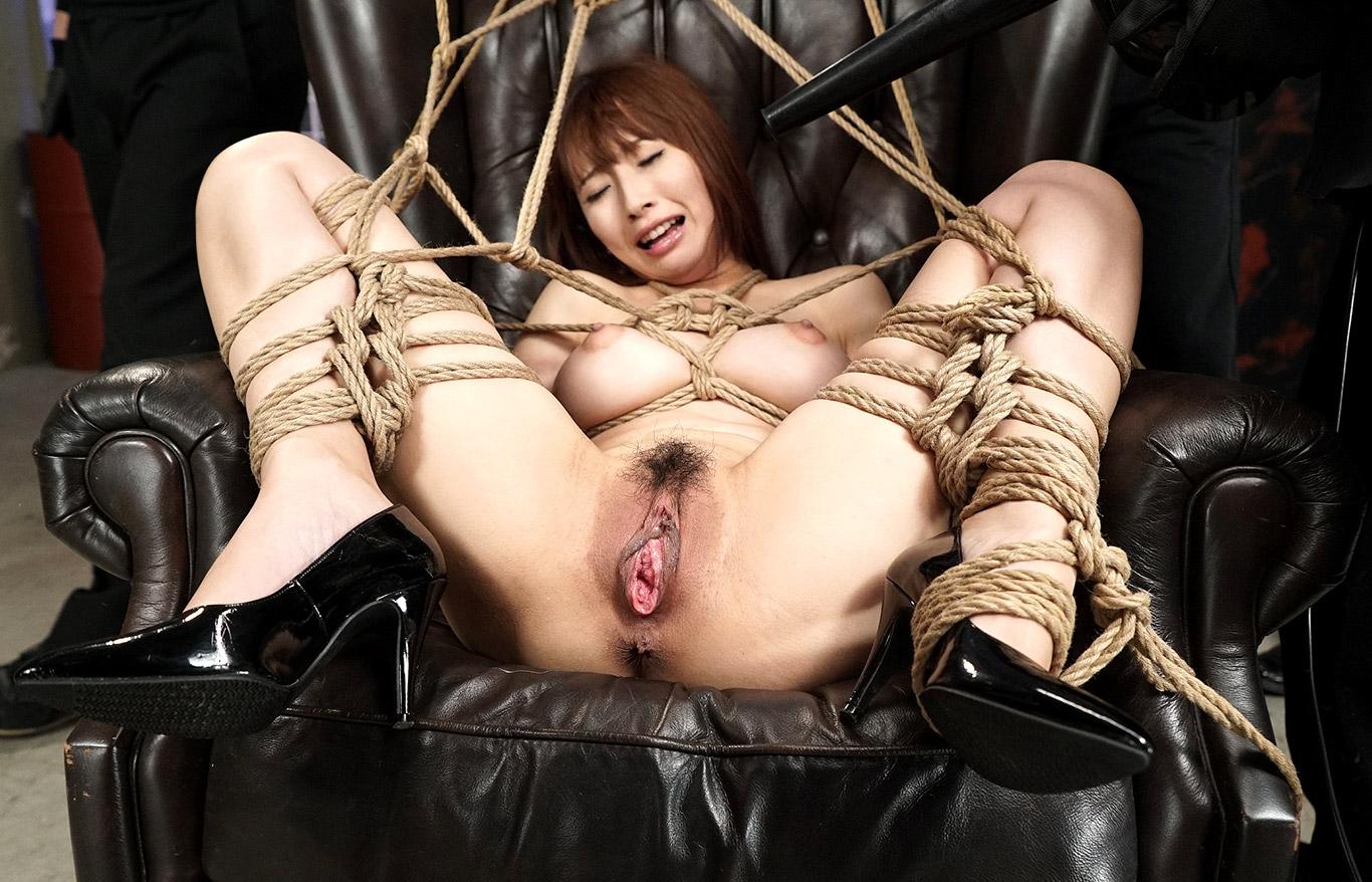 Broken beautiful asian sucks dick in a hardcore bondage scene