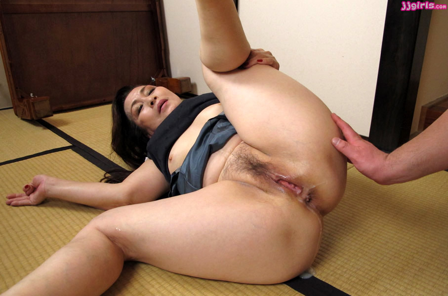 Порно Asian Mom