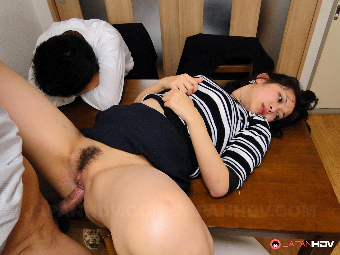 Порно японская жену босс мужа